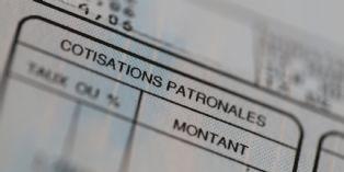 Report des baisses des cotisations: une 'catastrophe' selon certains experts